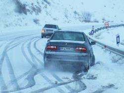 هنگام مسافرت زمستانی وسایل نقلیه ی خود را به لوازم ایمنی مجهز کنیم