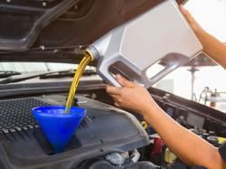 هرچندوقت یکبار و با چه مسافتی باید روغن موتور را تعویض کرد؟